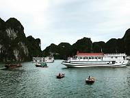 Khám phá vịnh Hạ Long tuyệt đẹp trong hè năm nay