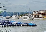 Quảng Ninh cho ngừng hoạt động tàu du lịch ở cảng Bãi Cháy