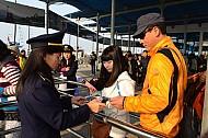 Vịnh Hạ Long Đón 4.400 Lượt Khách Tham Quan Đầu Năm 2014