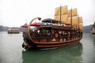 Vịnh Hạ Long lọt vào top 50 địa điểm đẹp nhất thế giới