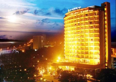 Sài Gòn Hạ Long Nhận Giải Khách Sạn 4 Sao Hàng Đầu Việt Nam